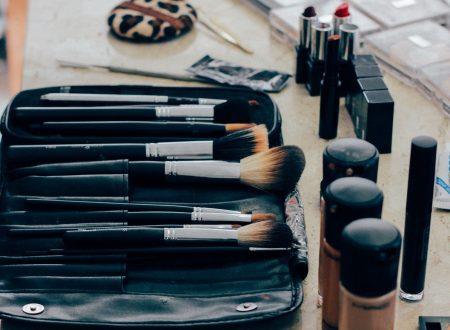 makeup-1209798_1280